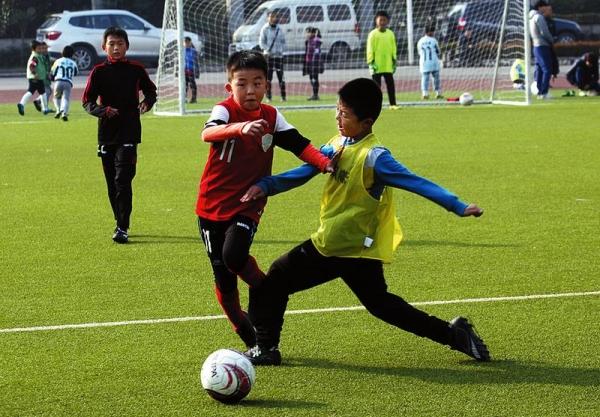 小雁塔小学足球场的主旋律:少年足球梦(8)