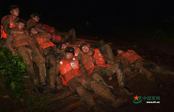 这就是18岁的中国军人 10图片