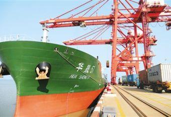 中国外贸逆势增长亮点多