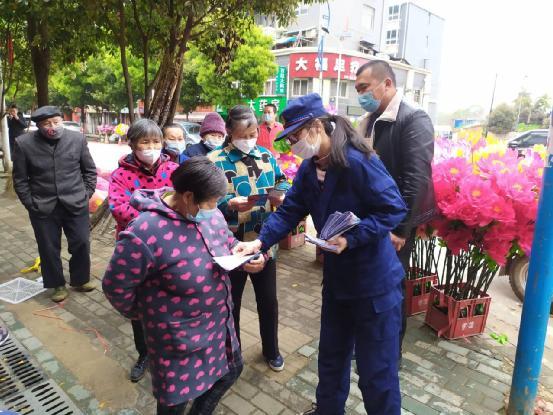 """湖北鄂州消防部门倡导清明""""文明"""