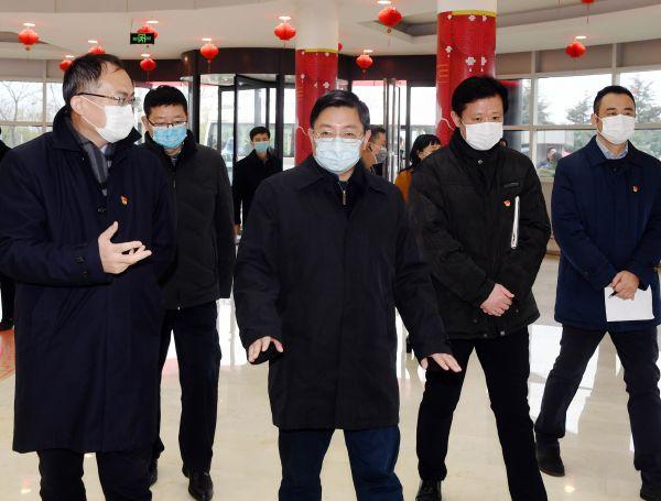 2020年2月14日,江苏省委常委、南京市委书记张敬华一行到苏美达检查疫情防控和复工复产情况_wps图片